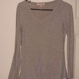 Lena size medium gray shirt